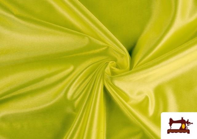 Tissu Satiné/Ketten de Couleurs couleur Vert pistache